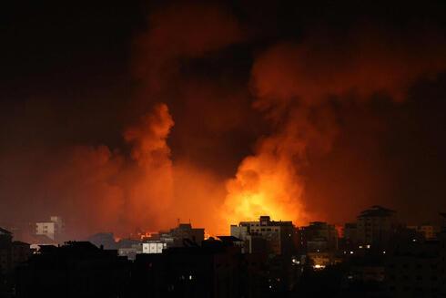 ההפצצות בעזה הלילה, AFP