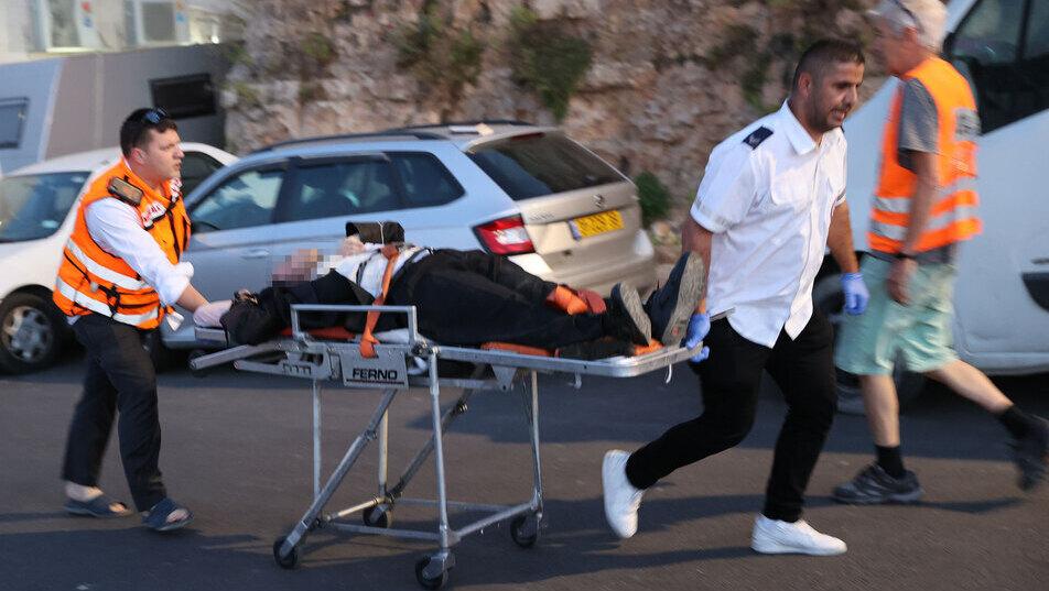 שני הרוגים ו-167 פצועים בקריסת טריבונה בבית כנסת בגבעת זאב