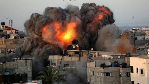 """תקיפה צה""""ל ברצועת עזה, צילום: איי אף פי"""