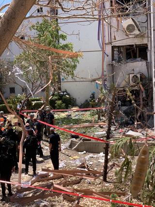 הפגיעה בבית באשדוד, צילום: גדי קבלו