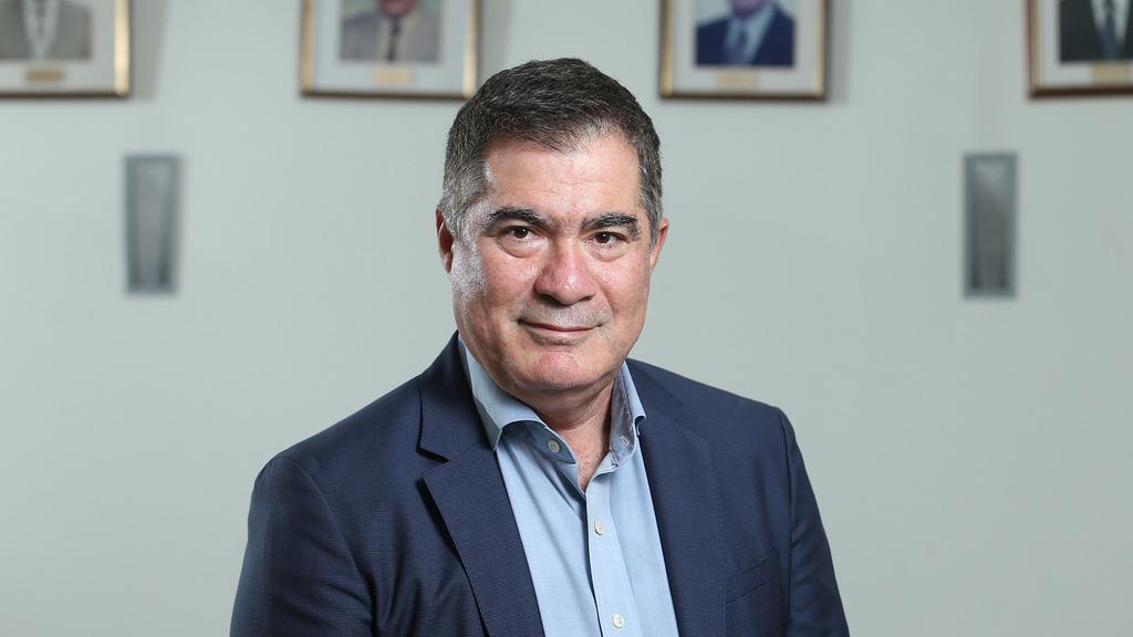 """ראול סרוגו נשיא התאחדות הקבלנים בוני ארץ כנס נדל""""ן"""