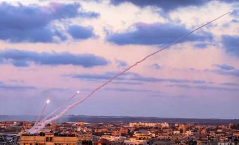 שיגורי טילים מעזה בחודש שעבר, צילום: איי אף פי