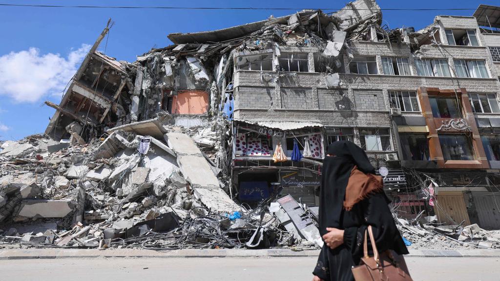 בניין בעזה שנהרס בהפצצת חיל האוויר בשבוע שעבר