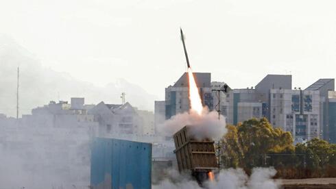ברוב עצום: בית הנבחרים אישר לממן סוללות כיפת ברזל ומיירטים עבור ישראל