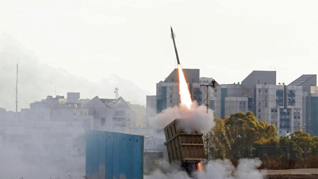מערכת כיפת ברזל של רפאל משגרת טיל ליירוט רקטות במבצע שומר החומות, צילום: אי.אף.פי