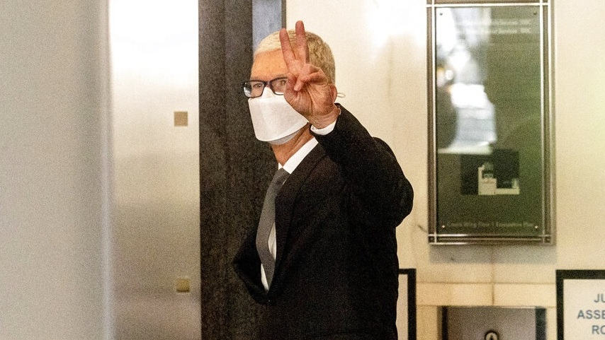 """מנכ""""ל אפל טים קוק העיד במשך 4 שעות בתביעה של יצרנית פורטנייט"""
