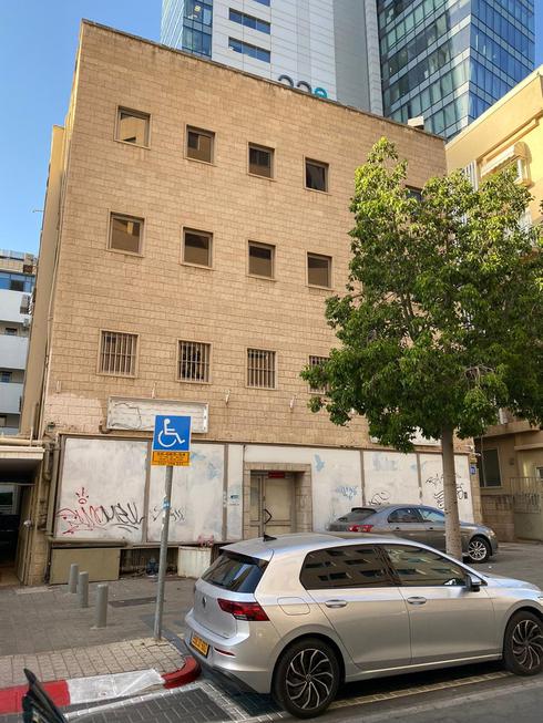 בניין בנק לאומי שנמכר בלילינבלום תל אביב, צילום: משה ריקלין