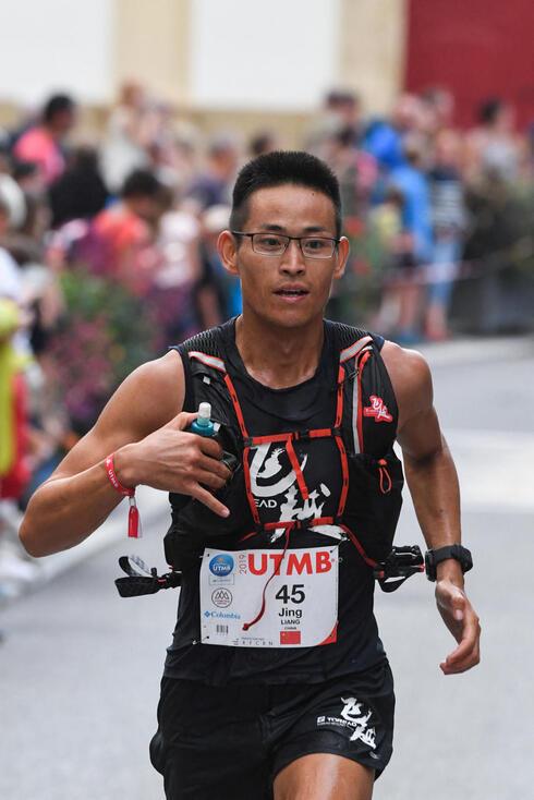 רץ האולטרה מרתון ליאנג ג
