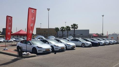 מטוטלת? בחודש שעבר כמעט ולא נמסרו מכוניות טסלה בישראל