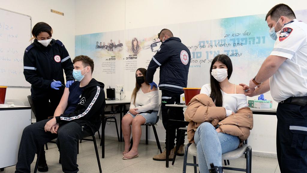 החשש מהירידה ביעילות: פייזר תבקש אישור לחיסון שלישי
