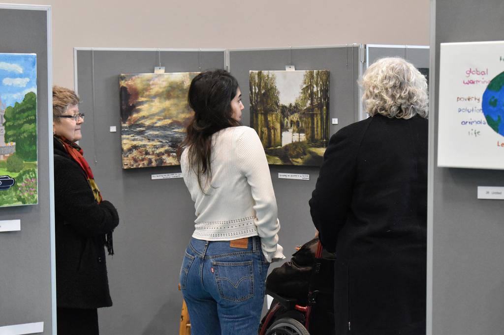 עדי אבידני אוצרת אומנות ART AI