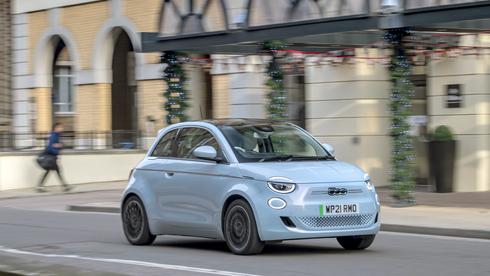 פיאט מבטיחה: כל הרכבים יהיו חשמליים עד 2030