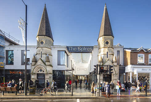 The Spires Barnet UK, באדיבות SDB