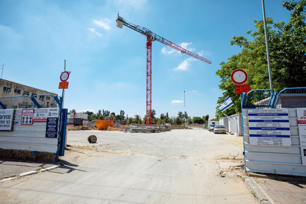 בנייה על קרקע של חברת חשמל שב מחלוקת ב גבעתיים