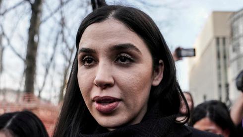 בדרך למאסר עולם: אשתו של אל צ'אפו הודתה בסיוע לניהול קרטל