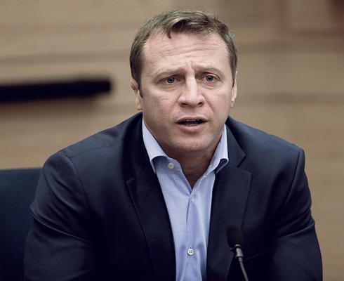 יואל רזבוזוב, צילום: אלכס קולומויסקי