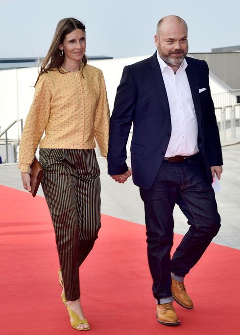 אנדרס הולך פובלסן ורעייתו מבעלי אסוס, צילום: אי פי איי