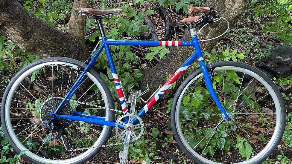 אופניים מתנה של ביידן לבוריס ג'ונסון G7