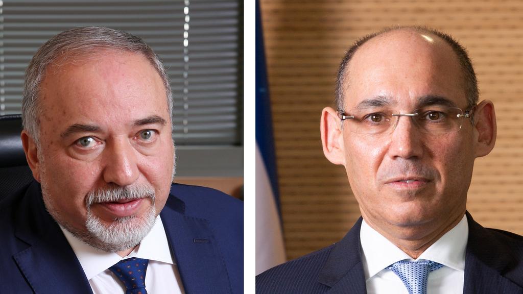 מימין: נגיד בנק ישראל פרופסור אמיר ירון ושר האוצר אביגדור ליברמן, צילום: אלכס קולומויסקי
