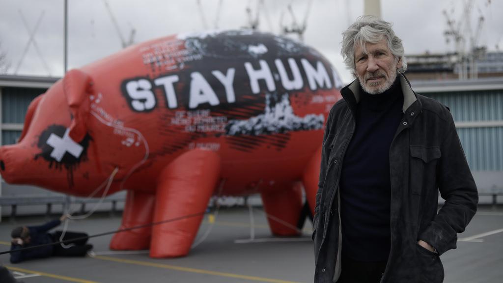 רוג'ר ווטרס  הפגנה לונדון לשחרור ג'וליאן אסאנג' פברואר 2020