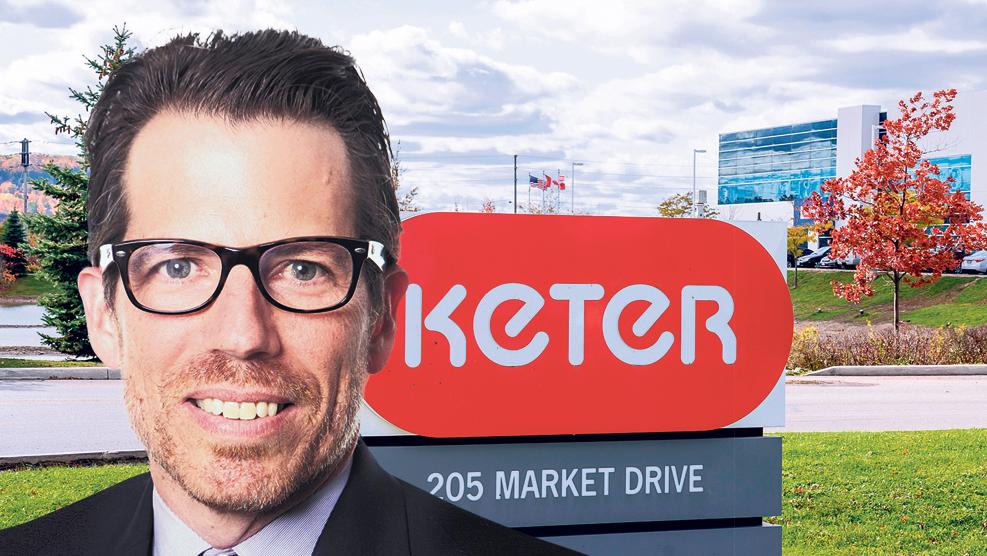 """אלחנדרו פנה מנכ""""ל כתר העולמית משרדי כתר פלסטיק ב קנדה"""