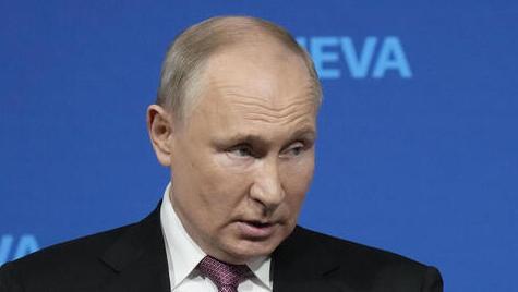 """פוטין מהבידוד: """"עשרות בקרמלין נדבקו בקורונה"""""""