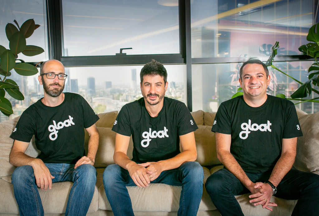 מייסדי gloat מימין דני שטיינברג סמנכ״ל שיווק בן ראובני מנכ״ל עמיחי שרייבר סמנכ״ל טכנולוגיות