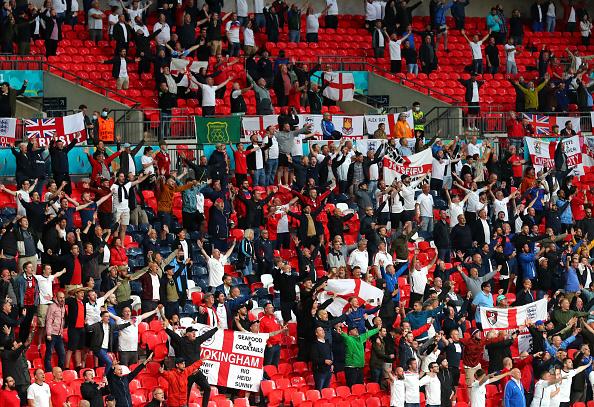 אוהדי נבחרת אנגליה יורו 2020