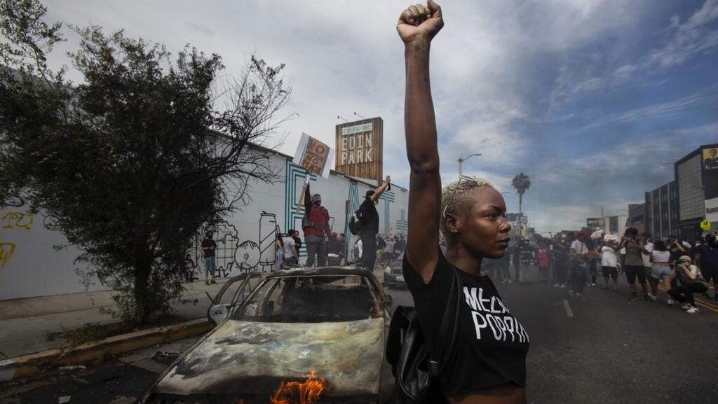 """רצח ג'ורג' פלויד: תמונות מההפגנות שהרעידו את ארה""""ב"""