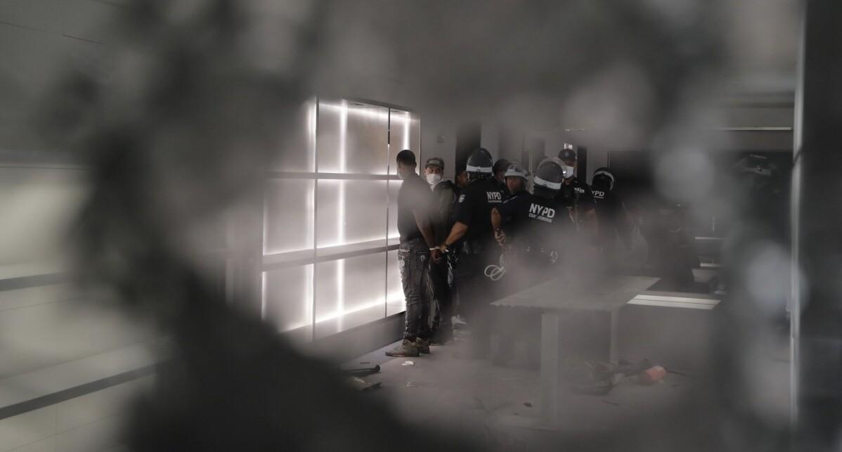 פוטו זוכי פוליצר 2021 צלמי סוכנות AP 2021 רצח גו'רג' פלויד 10