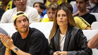 """מימין: קורל סימנוביץ' ו סרג'י רוברטו במשחק הכדורסל של מכבי ת""""א בשבוע שעבר, צילום: עוז מועלם"""