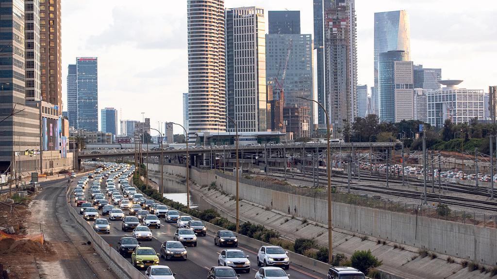 קו הרקיע של תל אביב פקק תנועה נתיבי איילון