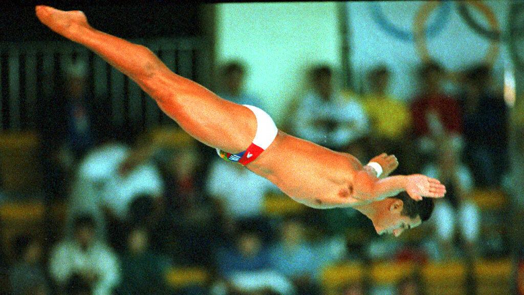 גרג לוגאניס קופץ למים באולימפיאדת סיאול