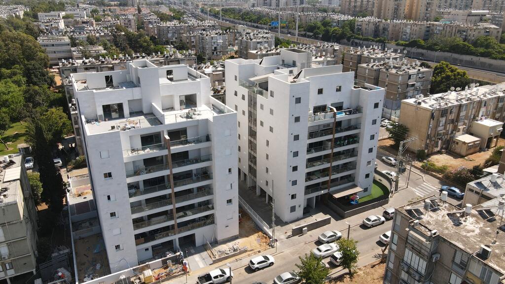 """בנייה בחולון התחדשות עירונית אלמגורים השקעות ונדל""""ן"""