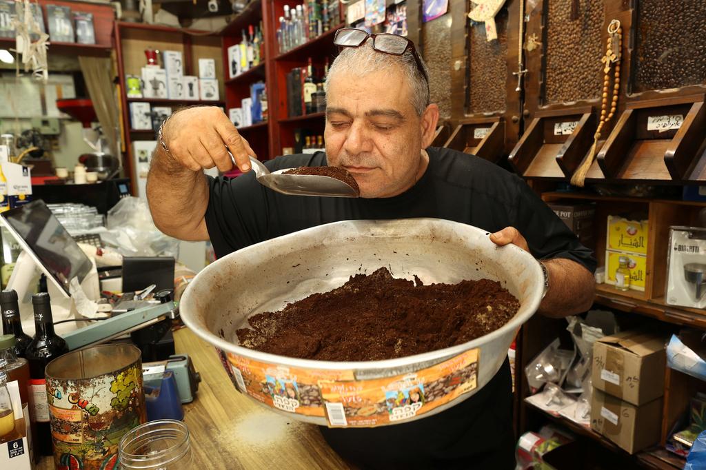 מרואן והקפה שוק ואדי ניסנאס ב חיפה פנאי