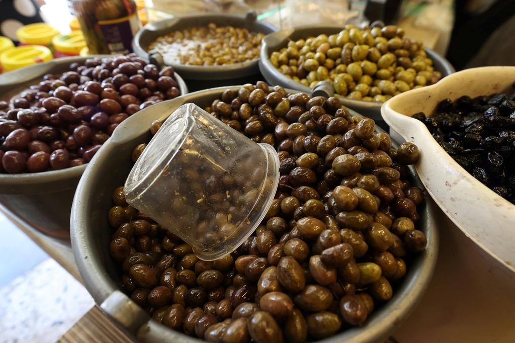 זיתים שוק ואדי ניסנאס ב חיפה פנאי