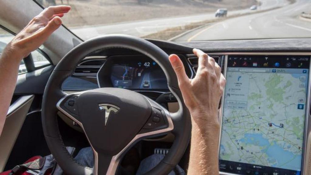 """אפקט טסלה: ארה""""ב דורשת מיצרני הרכב לדווח על כל תאונה במצב אוטונומי"""