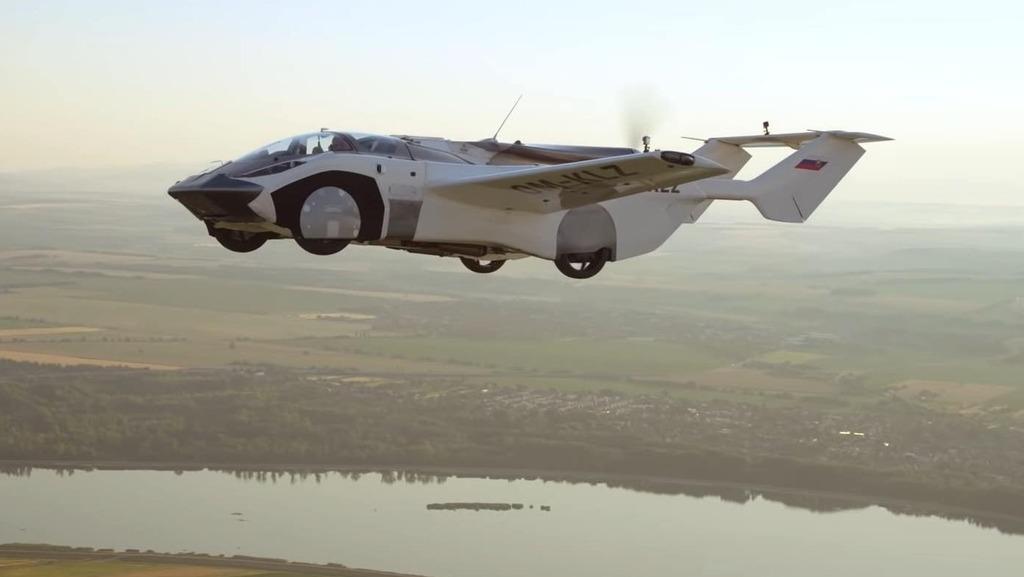 צפו: מכונית מעופפת השלימה טיסת ניסוי בין-עירונית