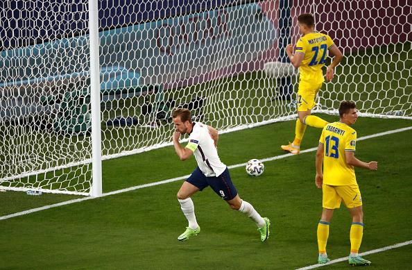 הארי קיין שחקן אנגליה אחרי השער שהבקיע מול אוקראינה ברבע גמר יורו 2020