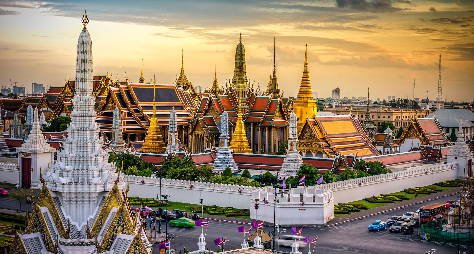 פוטו מבנים מזהב ארמון המלך בנגקוק