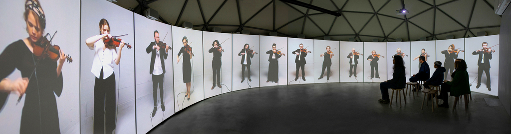 """וריאציות סנכרון של האמן אלעד שניידרמן והמדענים שיר שחל ד""""ר מוטי פרידמן ופרופ׳ ניר דוידסון פנאי"""