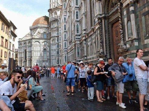 תיירים בפירנצה , צילום: theflorentine.net