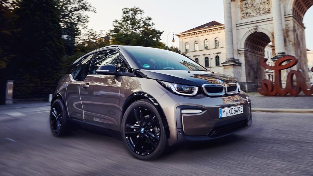 לשמר או לחדש: מהי הדרך הטובה ביותר לייצר רכב חשמלי