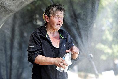 אישה בסייאטל וושינגטון ב חום