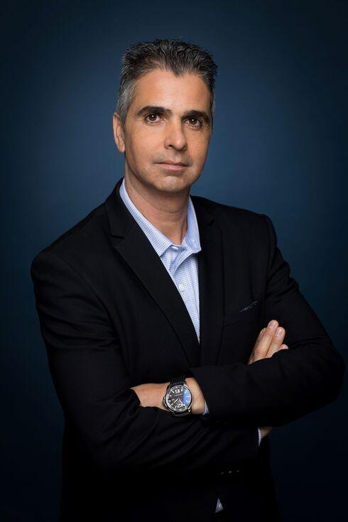 """ליאור פוני, מנכ""""ל Dell ישראל, אוהד רומנו"""