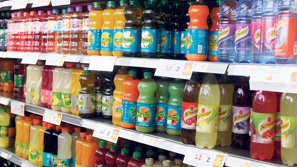 הדילמה של יצרני המשקאות: להעלות מחירים או לספוג את חוק הפיקדון
