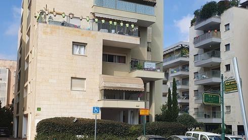 בכמה נמכרה דירת 3 חדרים בשכונת קטמון הישנה בירושלים?