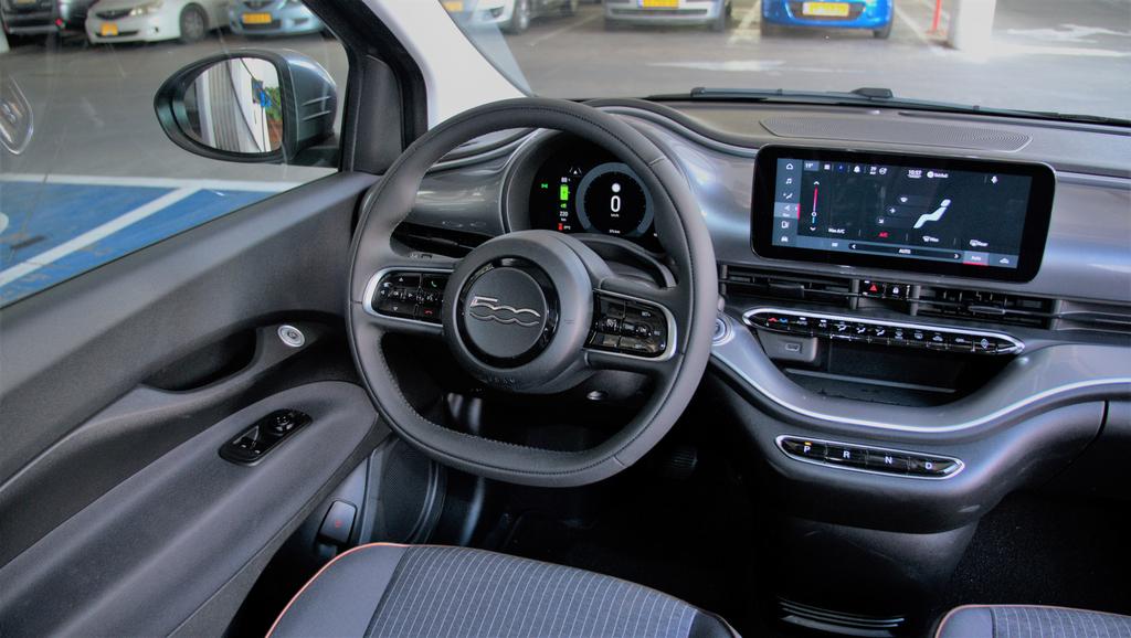 מבחן רכב פיאט 500 EV חשמלית מבפנים