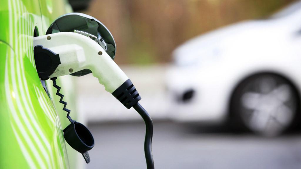 אחרי שהמליץ לעבור לרכב חשמלי: בנק ישראל יוצא למכרז ליסינג נטול חשמל