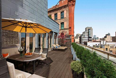 המרפסת בדירה, צילום: MW STUDIO/ CORCORAN GROUP